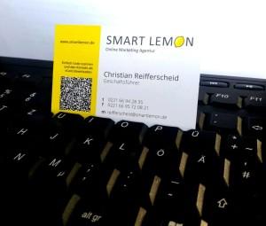 Gelbe Visitenkarte mit QR Code (c) 2016 smartlemon.de