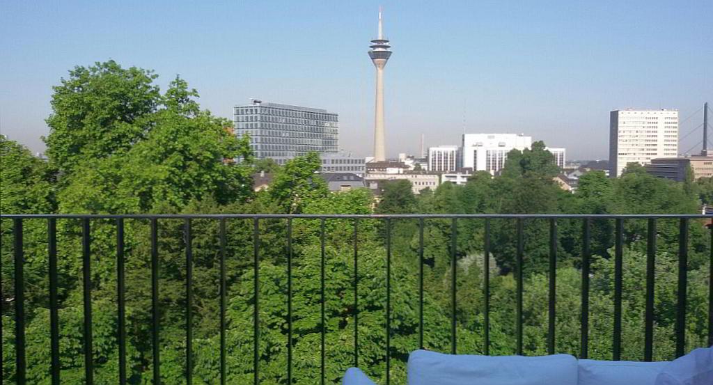 Bild Kerkhoff Lounge Dachterrasse Düsseldorf - SMART LEMON